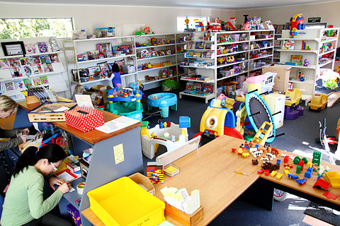 013toy_library_002.jpg